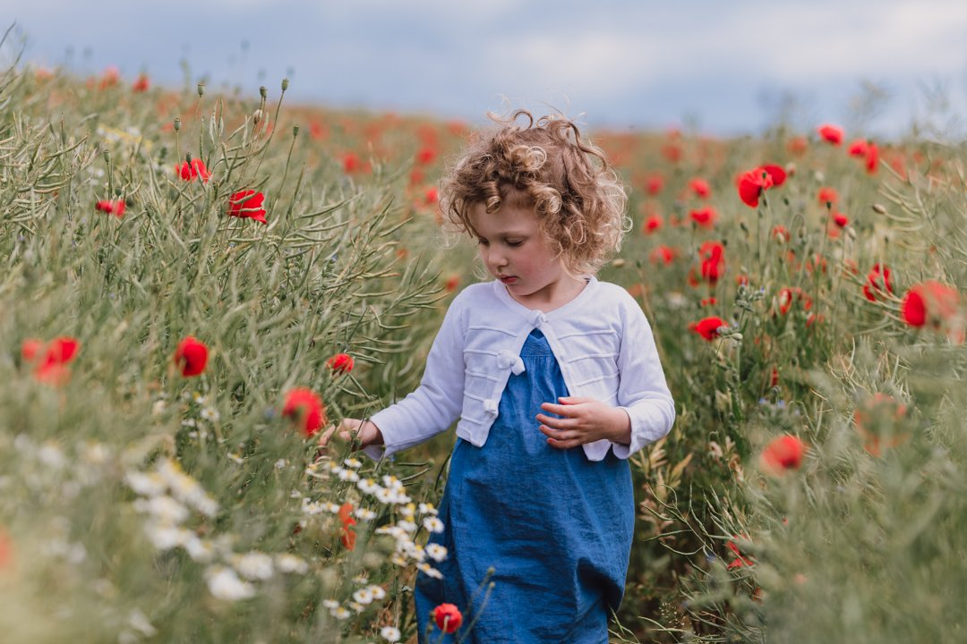 Surrey guildford outdoor photoshoot poppy fields